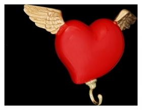 "Вешалка ""Сердце с крыльями"" красная  Antartidee"
