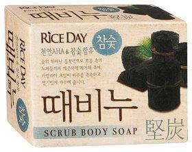 Скраб-мыло туалетное Rice Day древесный уголь  CJ Lion