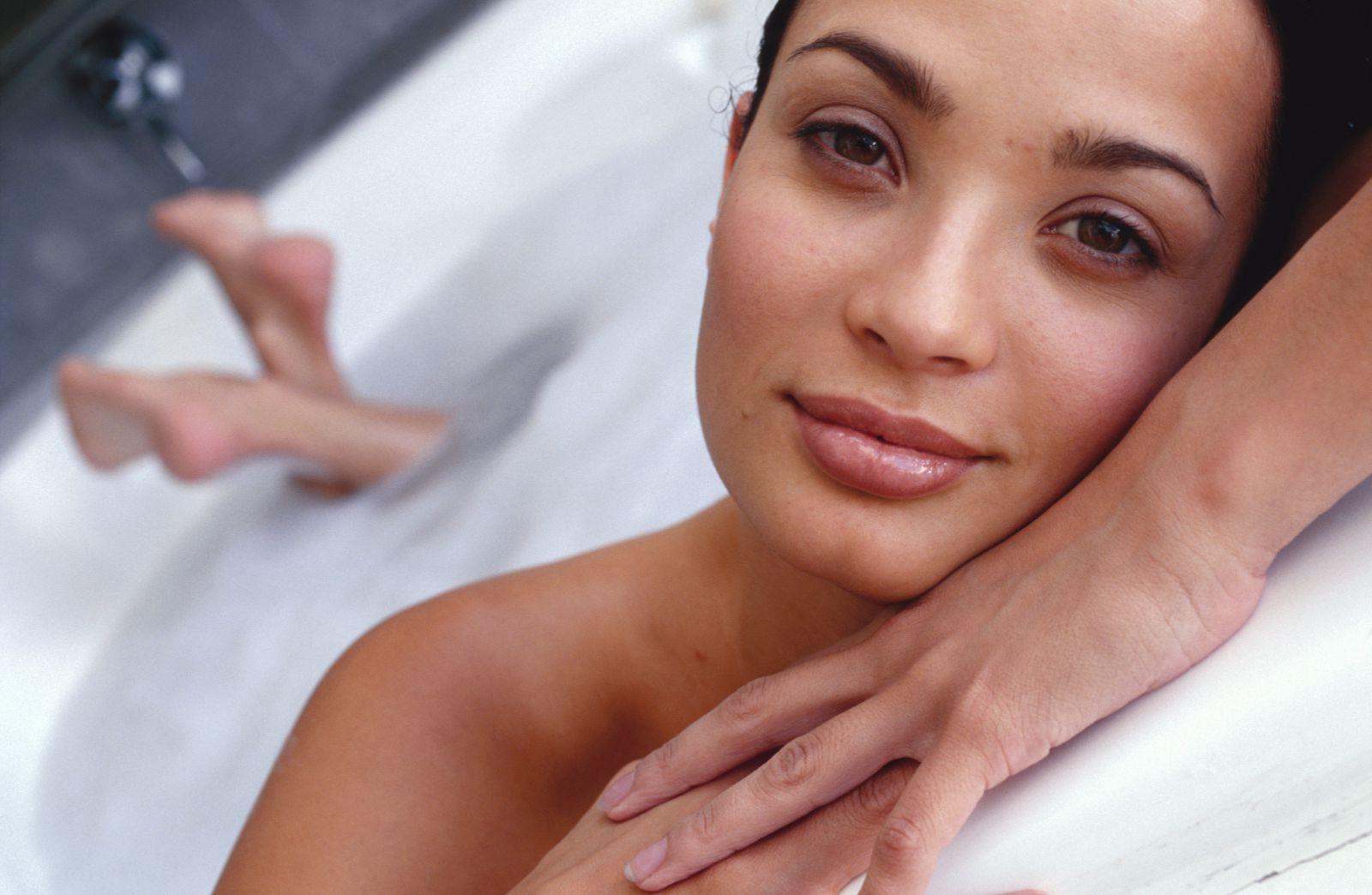 Что делают женщины в ванной видео смотреть онлайн фото 616-864